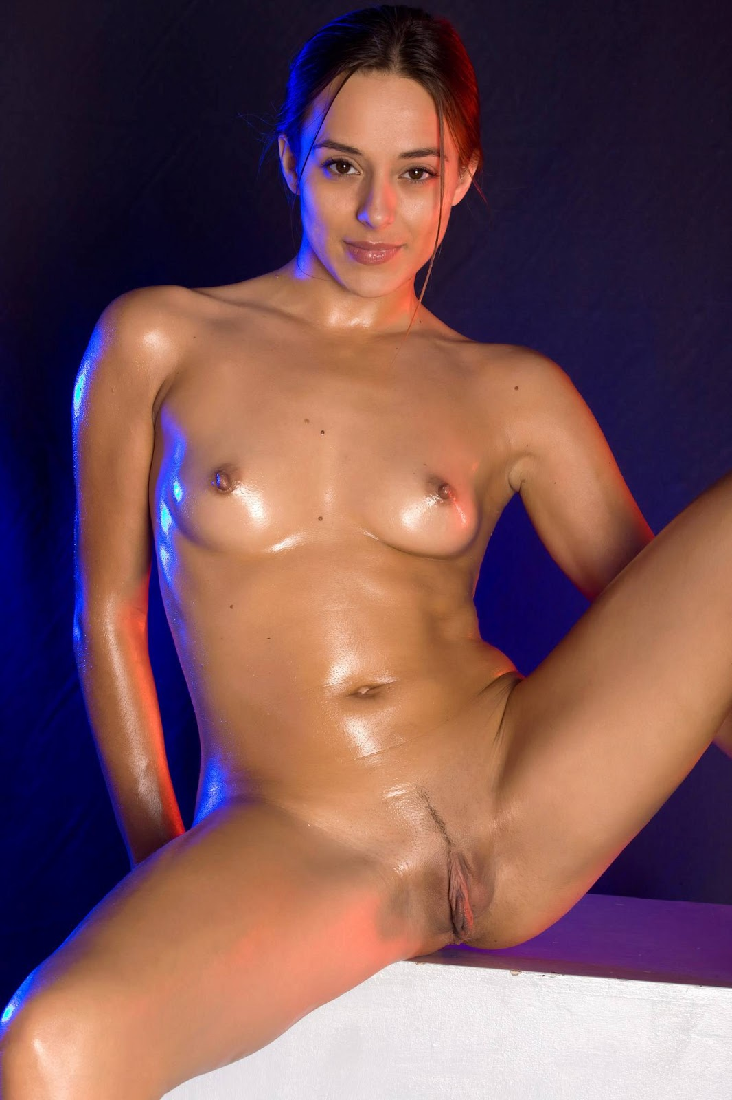Girl Naked Oiled-7813