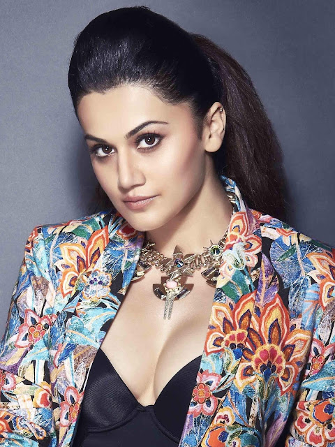 Taapsee Pannu Decorative Necklace