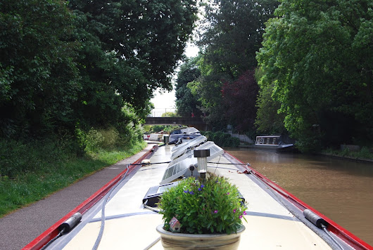 Back onto the Trent & Mersey Canal