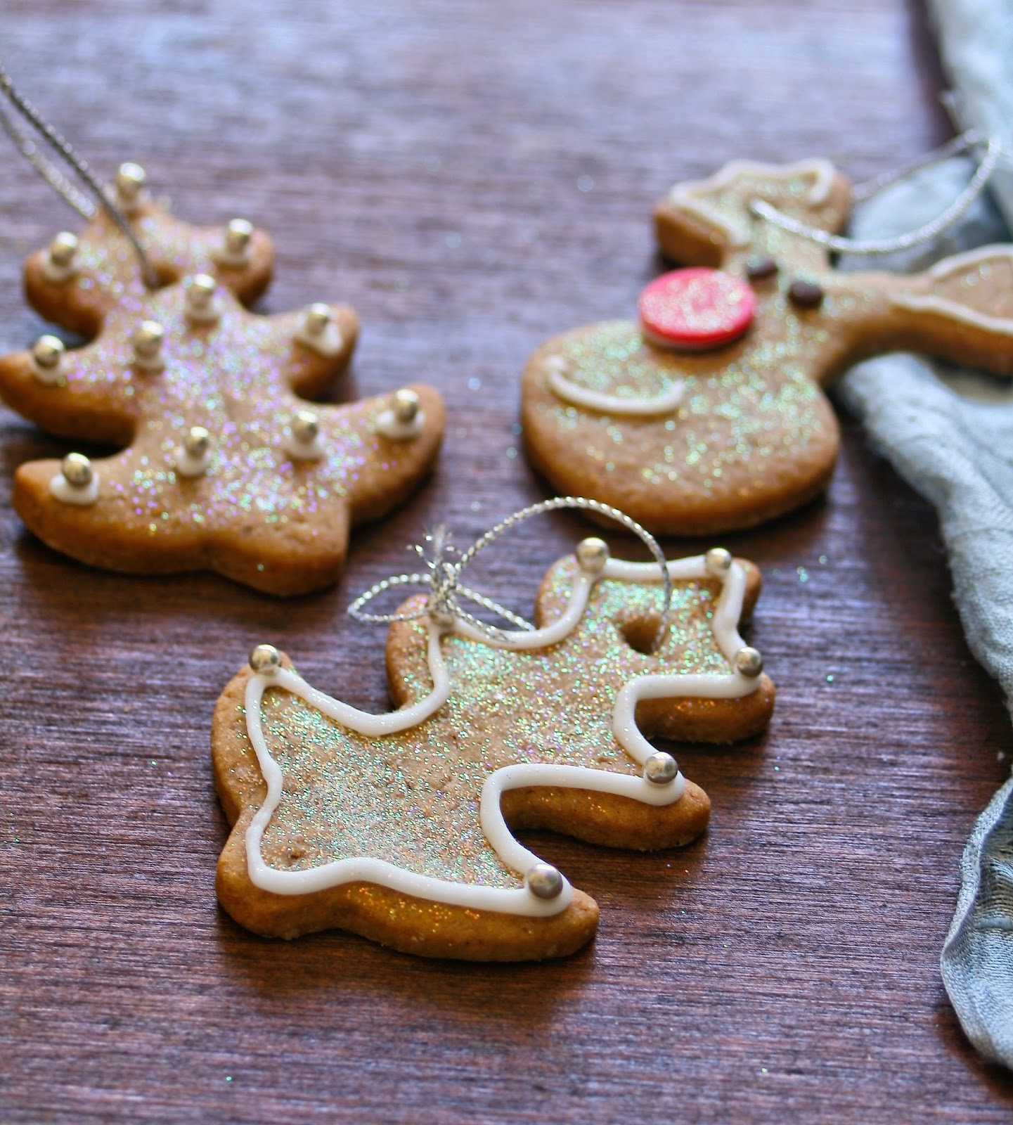 Cupcakes & Couscous: Christmas Biscuit Tree