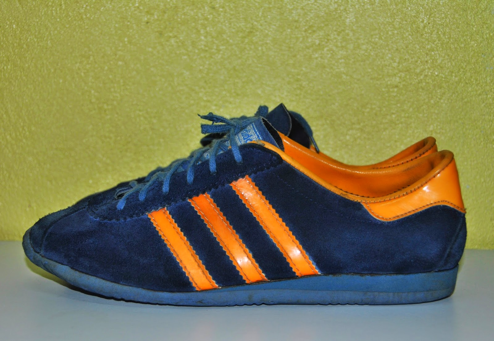 tragedia canal Fiel  Kopa Bundle: Vintage Adidas SURF shoes-5UK