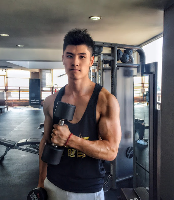 Chinese Handsome Fitness Boy at iFitStar (刘兆丰)