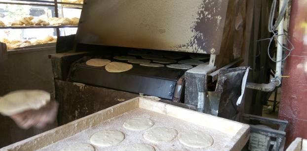 وزارة التموين ترفع حصة الخبز بالكروت الذهبية في أربع محافظات بمصر
