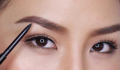 15 Tips Kecantikan yang Bisa Membuat Anda Cantik Layaknya Bentuk alis agar mata makin menarik