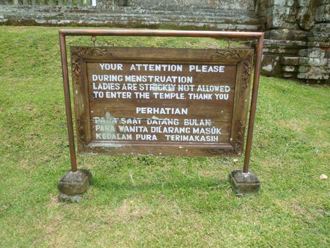 Prohibida la entrada a mujeres con la regla