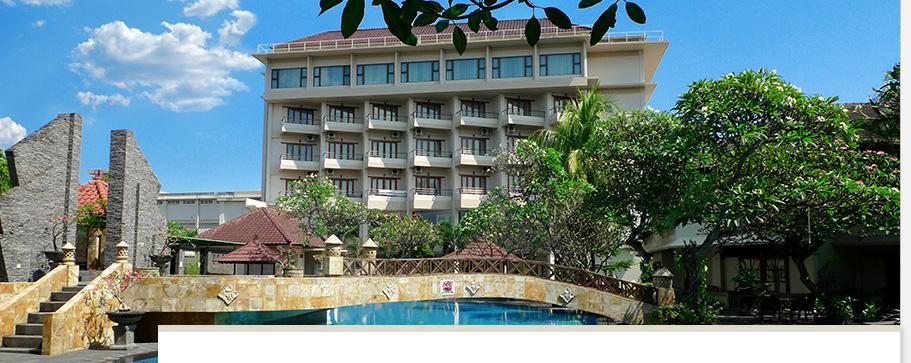 Swimming Pool Lombok Raya Hotel di Kota Mataram Lombok