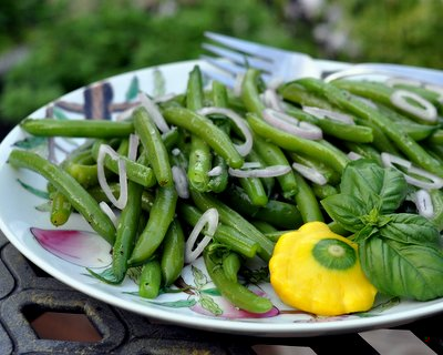 Chilled Green Bean Salad with Rosemary & Garlic Oil, another simple salad to repeat all summer ♥ AVeggieVenture.com. Vegan. Weight Watchers Friendly. Whole30 Friendly. Gluten Free. Rave Reviews!