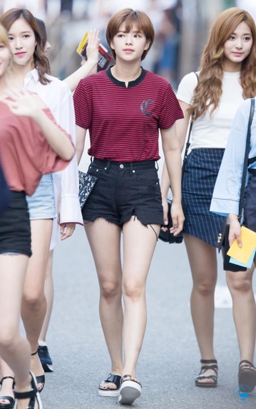 Twice Jeongyeon Airport Fashion Official Korean Fashion