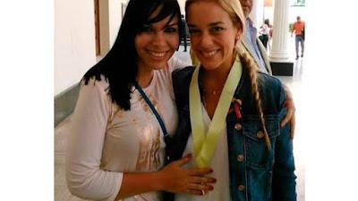 Lilian Tintori (dcha.) y su abogada, Ana Teresa Argotti.