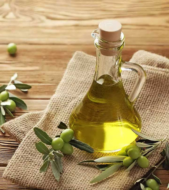 Olive Oil For Acne Scars: Does It Actually Work?
