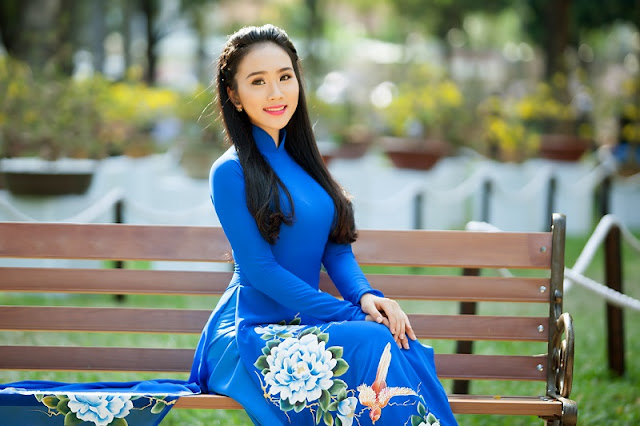 Vietnamese Ethnic Traditional Female Costumes 1