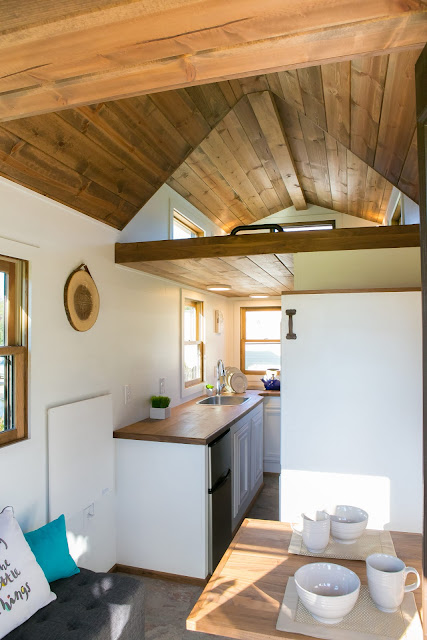 Roving tiny house - 84 Lumber