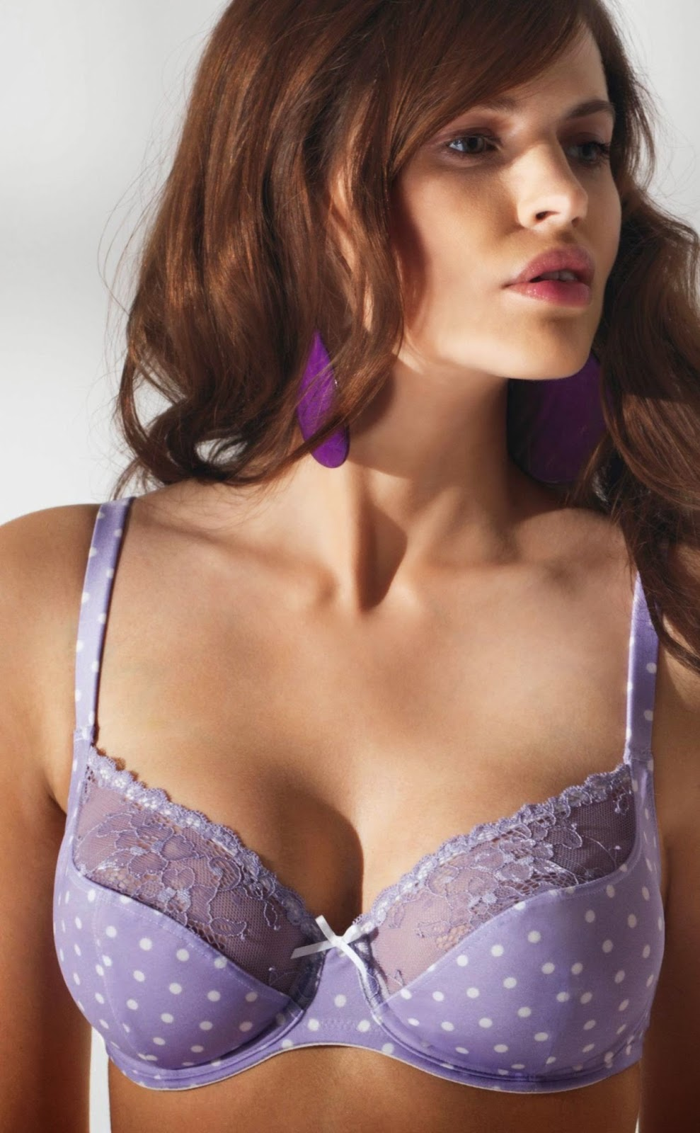 The Lingerie Store USA serves women and their intimate apparel needs in an environment which is warm and friendly both in store and online. Our knowledgeable staff specializes in bra fitting and we stock a wide selection of bra styles and sizes including difficult and hard-to-find band and cup sizes.