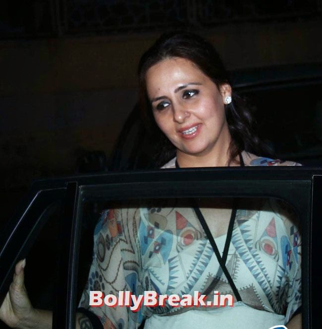 Alka Bhatia, Sonakshi, Twinkle at Special Screening of Movie Holiday