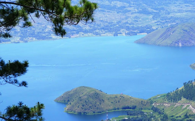 Tempat Wisata di Medan Paling Romantis-danau toba dan pulau samosir-objek wisata danau toba-danau toba dan pulausamosir