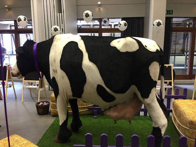 Animatronic cow