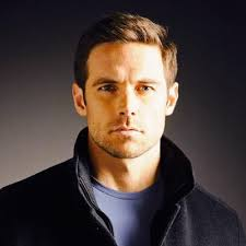 Dylan Bruce Height - How Tall
