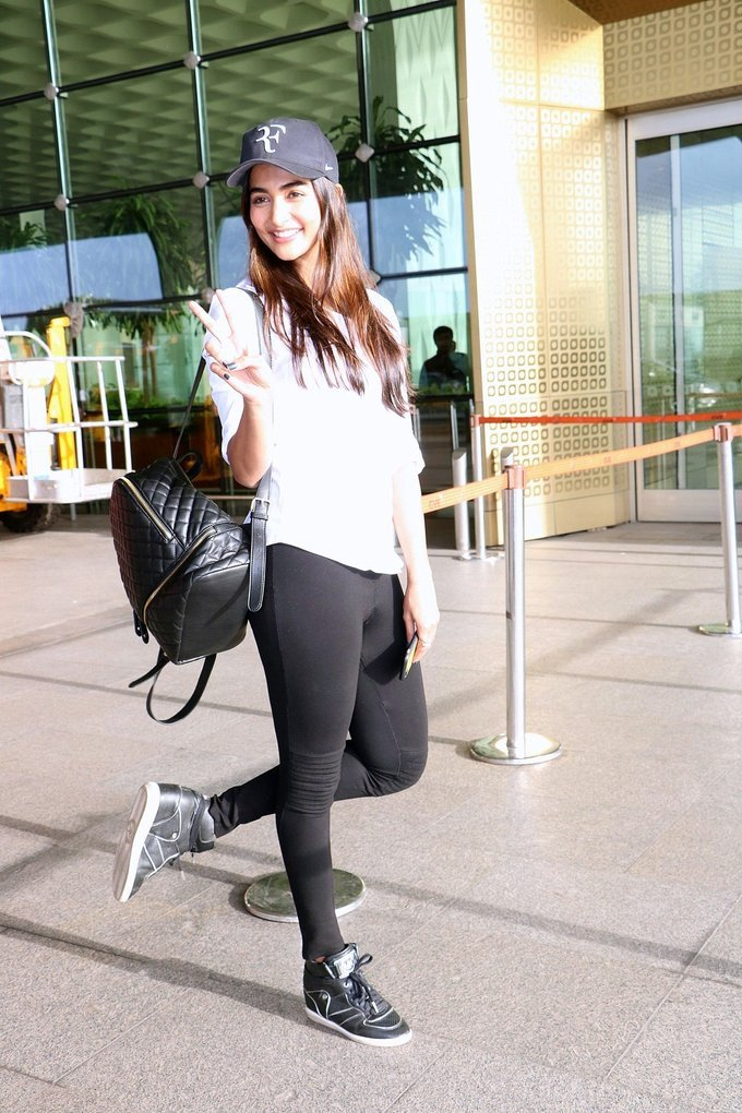 Pooja Hegde Spotted at Mumbai Airport