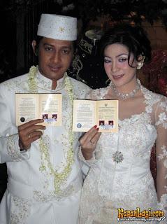6. Foto Pernikahan Andre Taulani  (Stinky ) dan Rien Wartia Trigina 2005