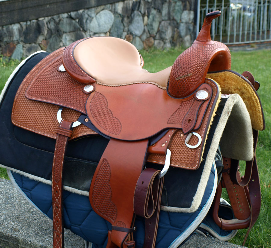 Adventures of a Horse Crazed Mind: My Bob's Saddle For Sale