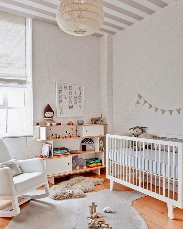 Cuarto de bebé en gris y blanco