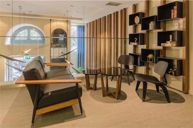 hotel con encanto en la ciudad de Lisboa zona de lectura chicanddeco