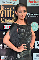 Akshara Haasan in Shining Gown at IIFA Utsavam Awards 2017  Day 2 at  38.JPG