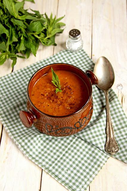 Turecka zupa z czerwonej soczewicy