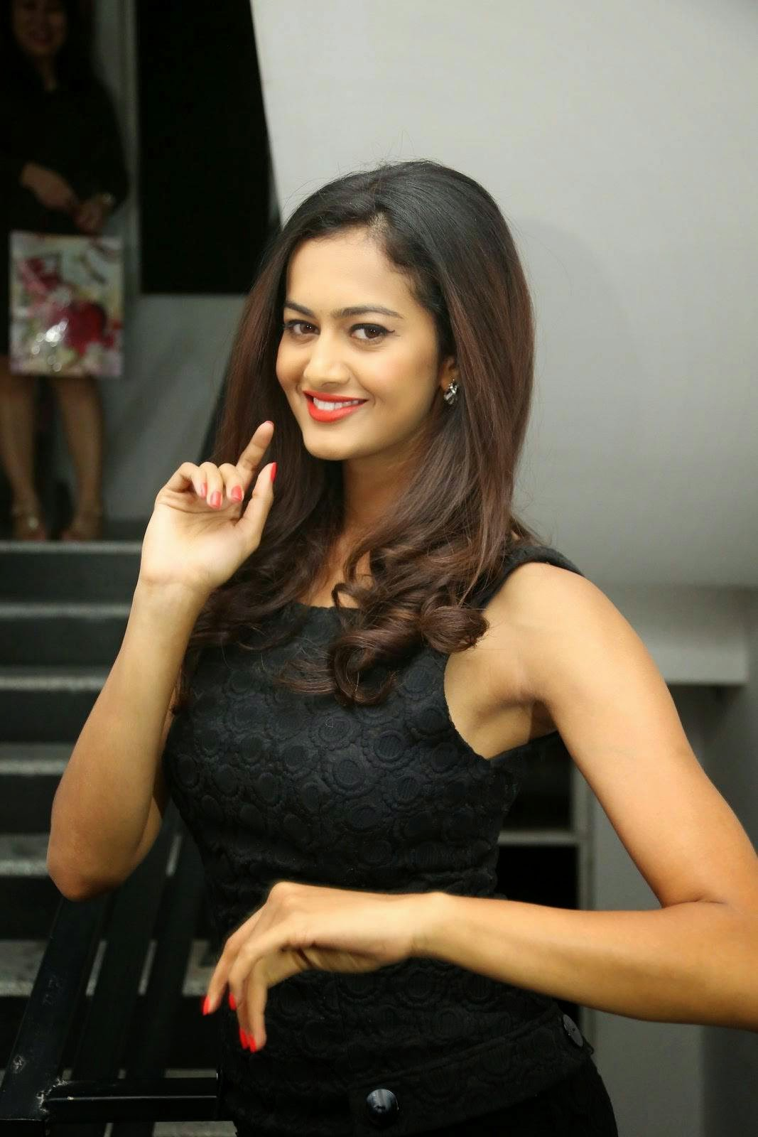 Actress Shubra Aiyappa Stills, Shubra Aiyappa Sexy Hot Figure images in Black Dress