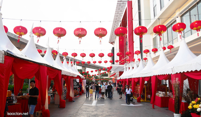 A walk through Da Men Chinese New Year Street Market 2016