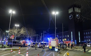 http://www.telegraph.co.uk/news/2017/03/09/several-injured-axe-attack-dusseldorf-train-station/