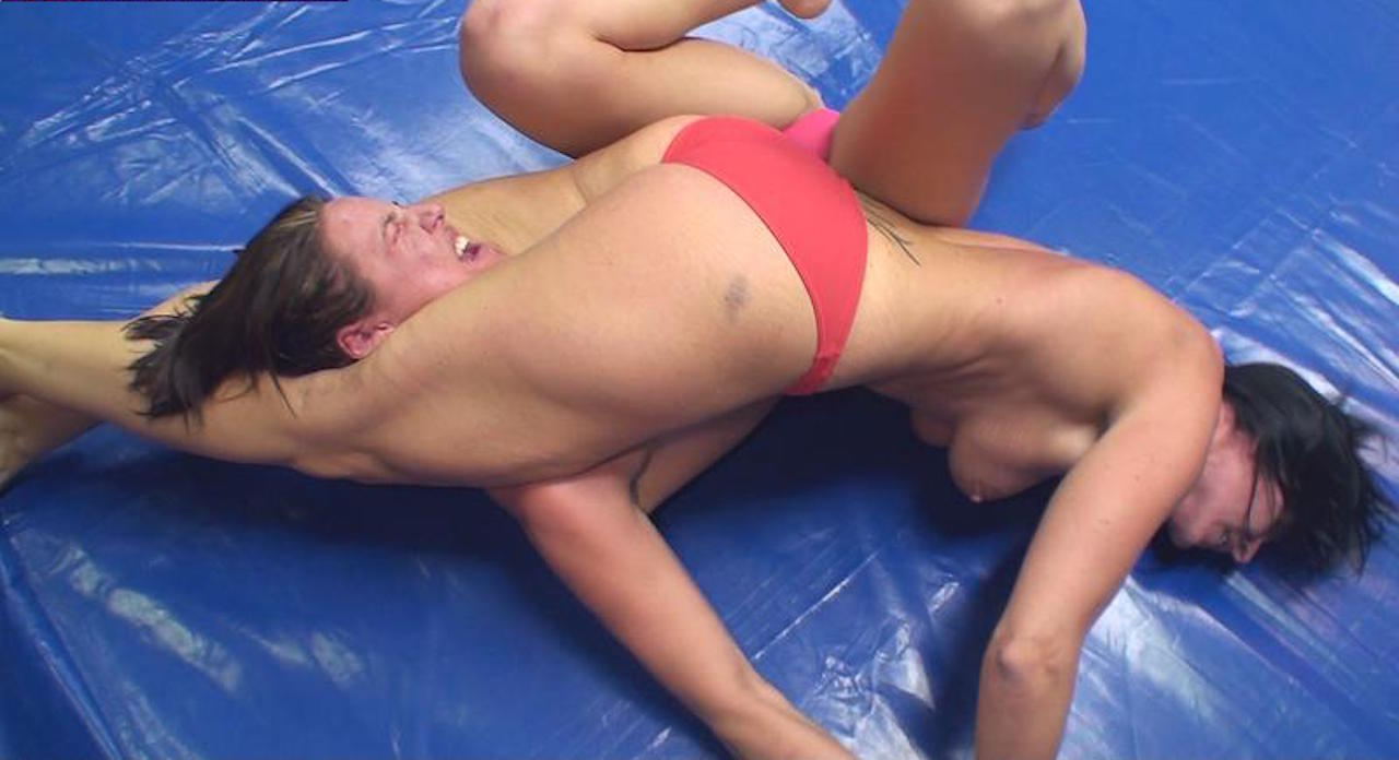 naked women s wrestling