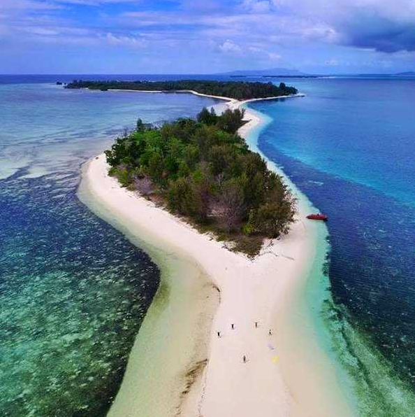 Interesting Travel Destinations on Morotai Island That are Rich in Natural Resources