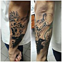 tatuaje blanco y negro Kame Hame Ha