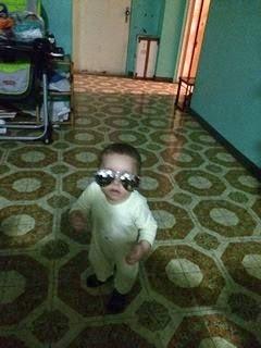 Hijo Fabián con lentes de sol