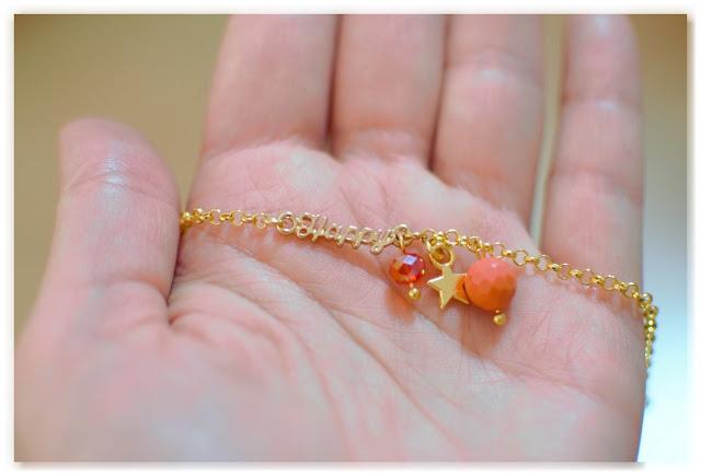 bracelet personnalisé happy doré orange et rouge
