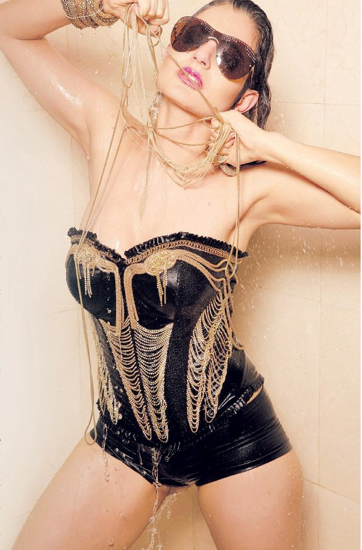 amisha patel hottie sexy