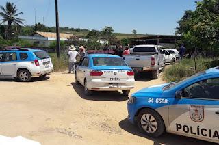 http://vnoticia.com.br/noticia/2342-criminosos-assaltam-propriedade-em-sfi-mas-rapidez-da-pm-frustra-acao