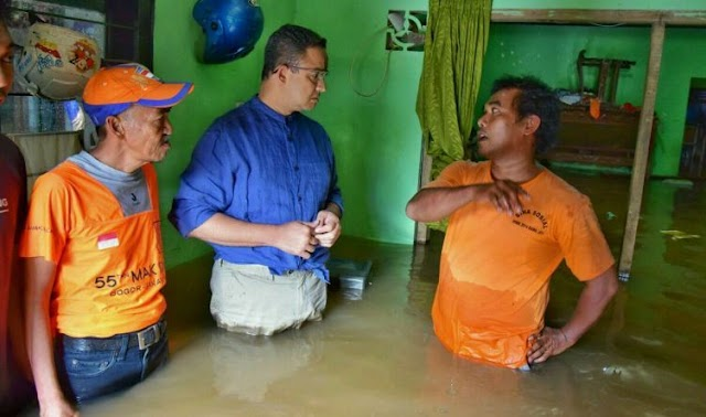 Ditanya Solusi Banjir Di Jakarta , Anies Dengan Tegas Bilang : Solusi Banjir Bukan dari Gubernur