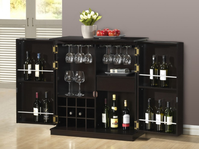 tener un bar en tu propio hogar bar gordon un mueble de madera de reducidas dimensiones que te sorprender por su capacidad de almacenaje