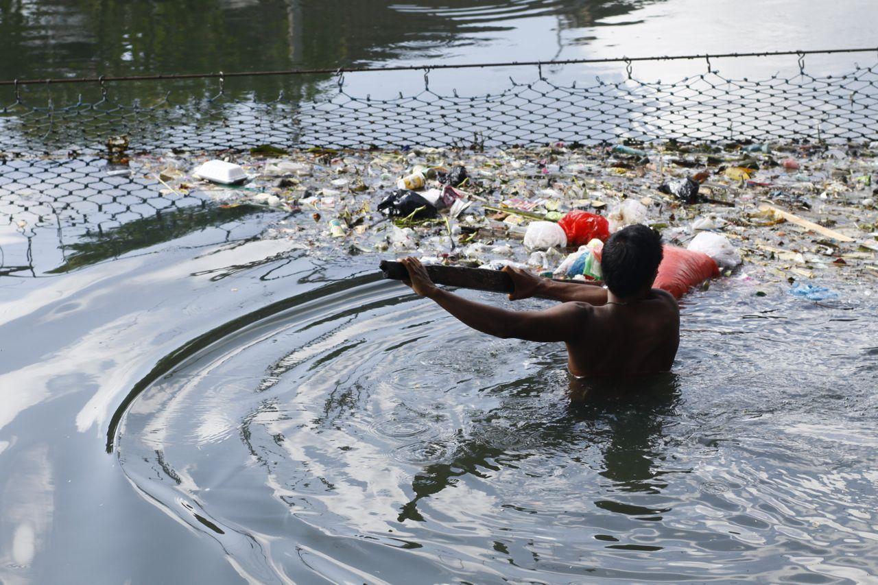 Jaring Sampah di Sungai, Supplier dan Distributor Pusat Grosir Jual Jaring Pengaman Proyek