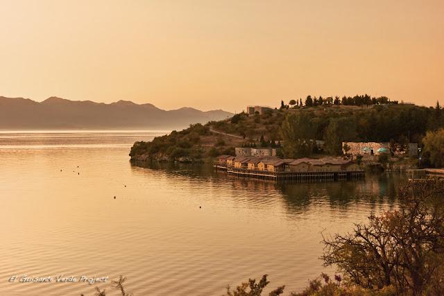 Bahía de los Huesos, Ohrid - Macedonia por El Guisante Verde Project