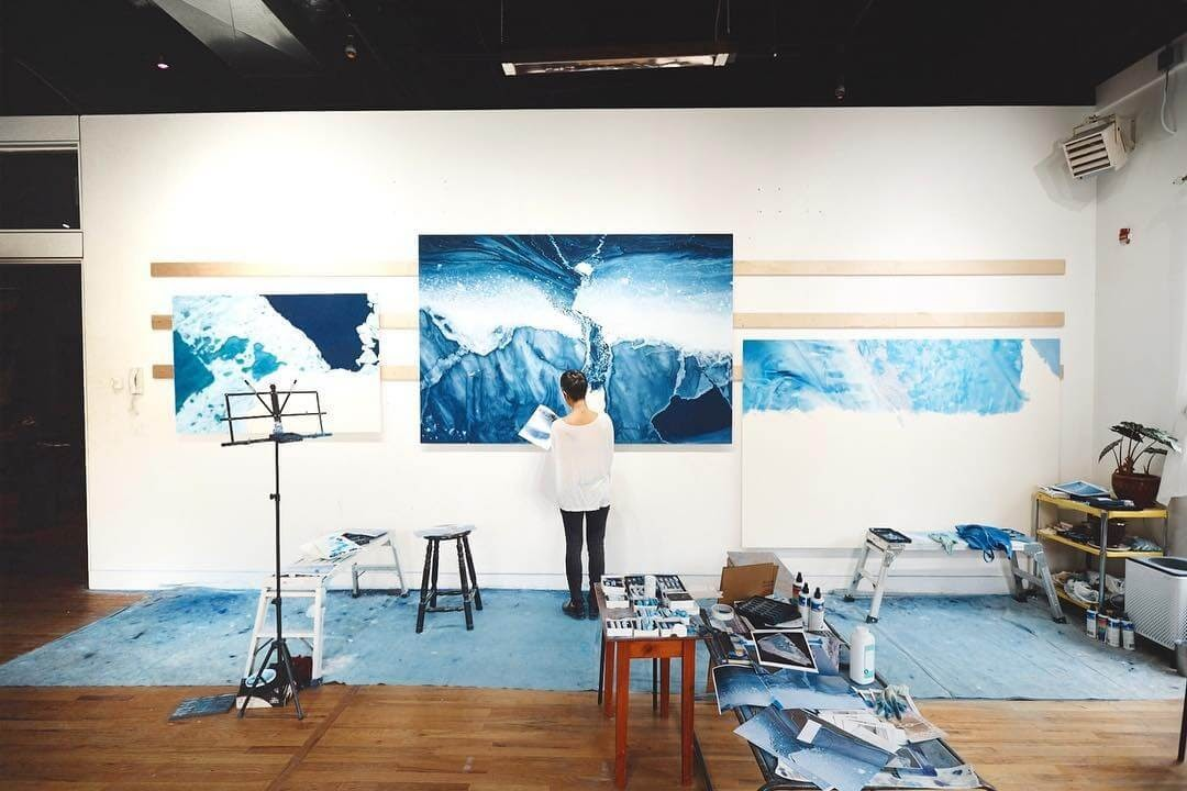 10-In-the-studio-Zaria-Forman-Ice-Snow-and-Water-Pastel-Drawings-www-designstack-co