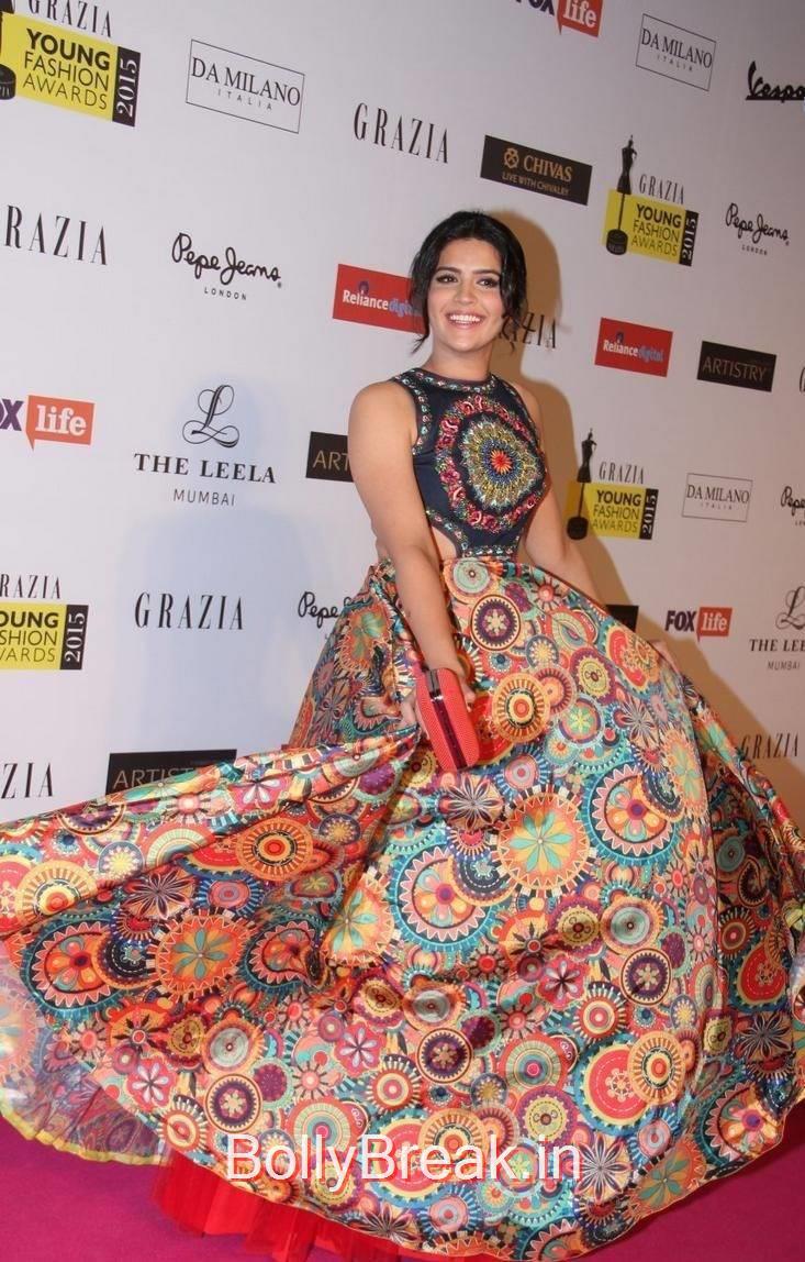 Deeksha Seth Stills, Deeksha Seth Hot Pics from Grazia Young Fashion Awards 2015