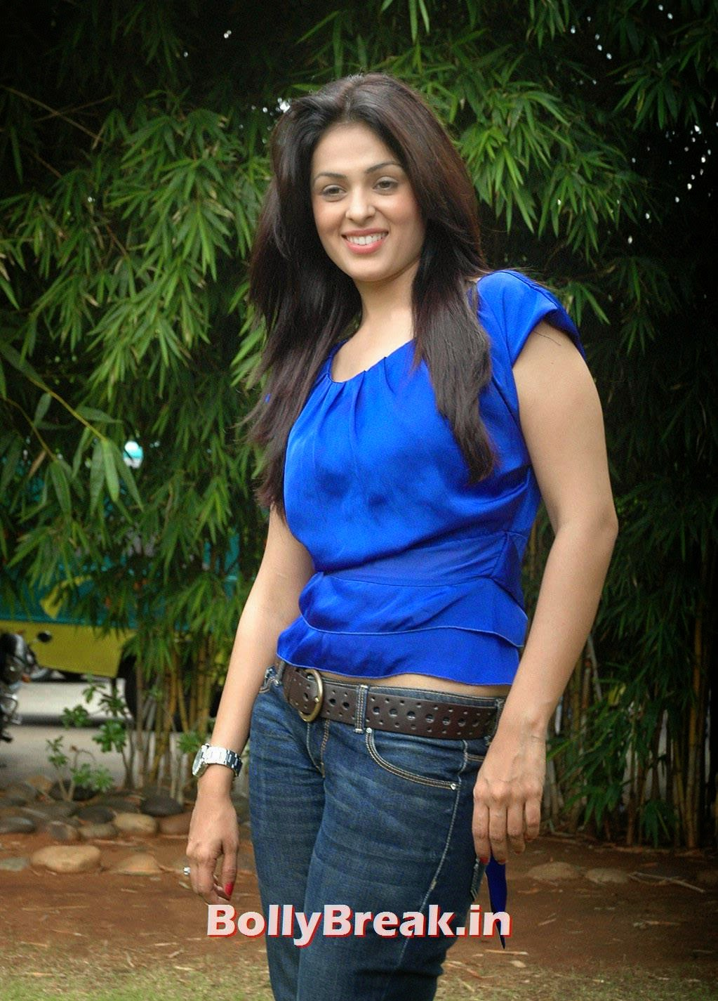 Tollywood Actress Anjana Sukhani, Anjana Sukhani Latest Pics in Blue Top & Jeans