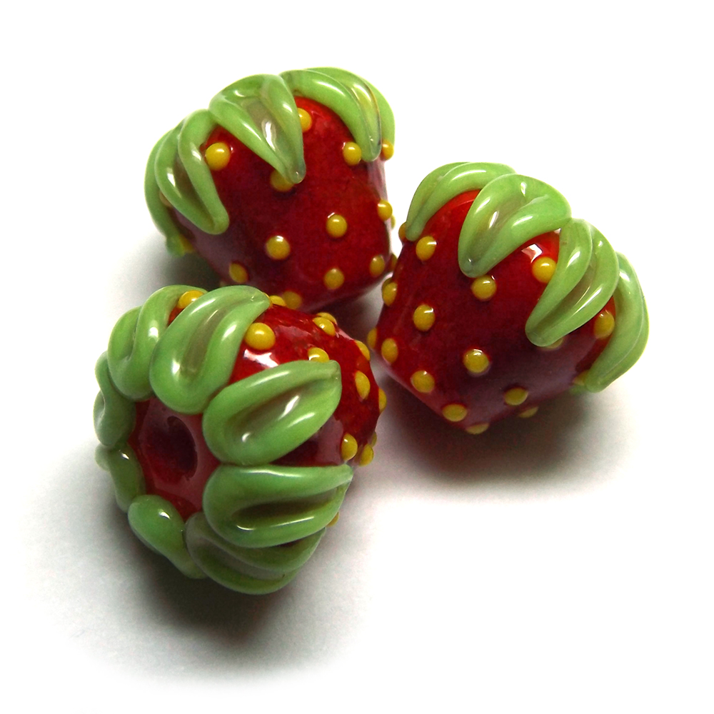 Lampwork glass strawberry beads by Laura Sparling