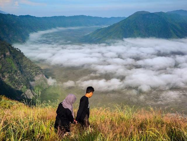 Ada Lokasi Bersalju Baru di Indonesia? Ada di Jawa Tengah Loh!