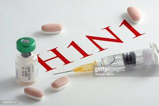 स्वाइन फ्लू एक तेजी से फैलने वाली संक्रामक बीमारी है जिससे बचने के लिए आपको इसके बारे में जानकारी होना बेहद आवश्यक है। यहां जानिए स्वाइन फ्लू के कारण लक्षण ।शूकर इन्फ्लूएंजा, जिसे एच1एन1 या स्वाइन फ्लू भी कहते हैं, विभिन्न शूकर इन्फ्लूएंजा विषाणुओं में से किसी एक के द्वारा फैलाया गया संक्रमण है।