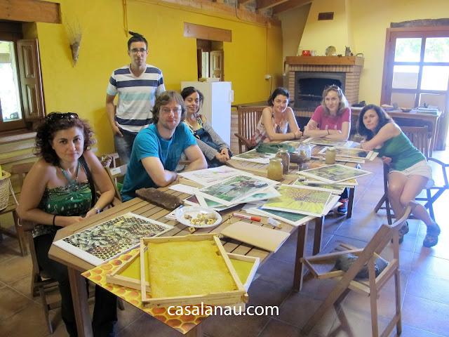 Jóvenes de Cantabria visitan Mis amigas las abejas