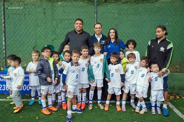 Ronaldo em unidade da Ronaldo Academy